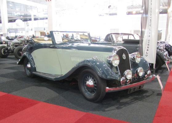 Hotchkiss 686 Grant Sport Biarritz Convertible uit 1936. De carrosserie is gebouwd door Park Ward. (Interclassics Brussels 2018)
