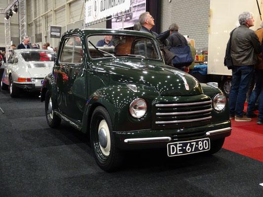 Fiat Topolino 500 C uit 1952. (Interclassics Maastricht 2020)
