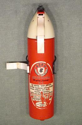 Poederblusser Auto-Total van Ajax (N.V. De Boer's Brandweermateriaal)