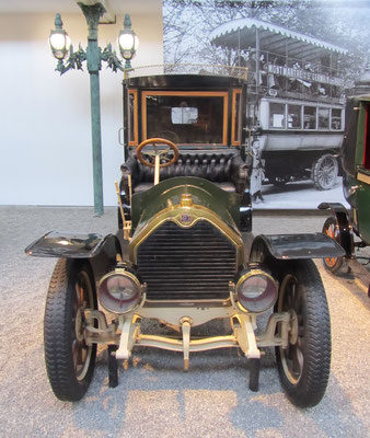 Darracq Coupé-Chauffeur Type SS 2028 uit 1907 (Collection Schlumpf).