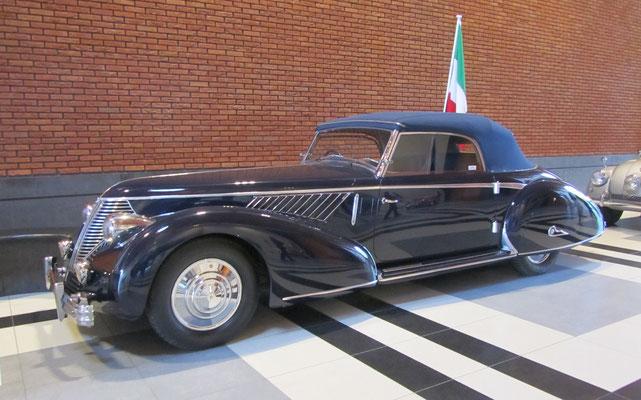 Lancia Astura Pininfarina uit 1938. (Louwman Museum in Den Haag)