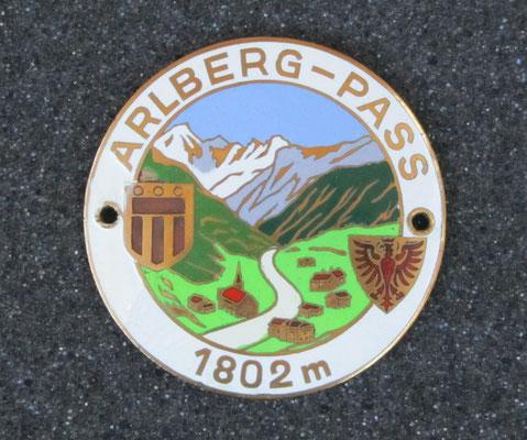 Geëmailleerd embleem van de Arlberg-Pass in Oostenrijk.