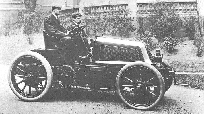 Een Mors 40 pk uit 1902.