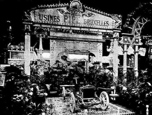 Pipe op de automobieltentoonstelling 1904 in Parijs.
