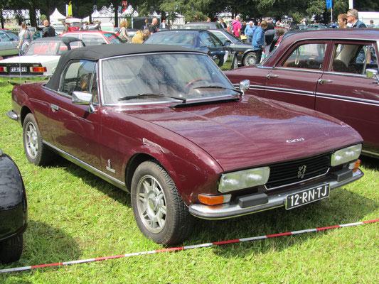 Een Peugeot 504 cabriolet B12 Pininfarina uit 1983.