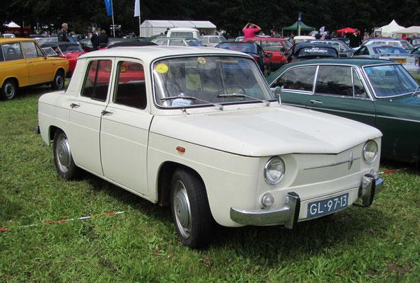 Renault R 1130 uit 1964.