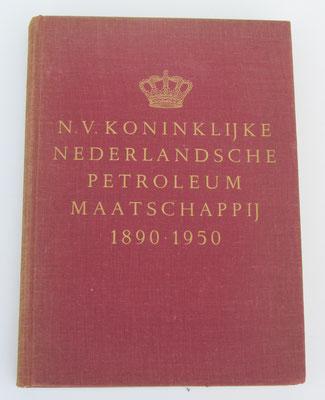 N.V. Koninklijke Nederlandsche Petroloeum Maatschappij 1890-1950. Dit boek is te koop, prijs € 5,00 email: automobielhistorie@gmail.com
