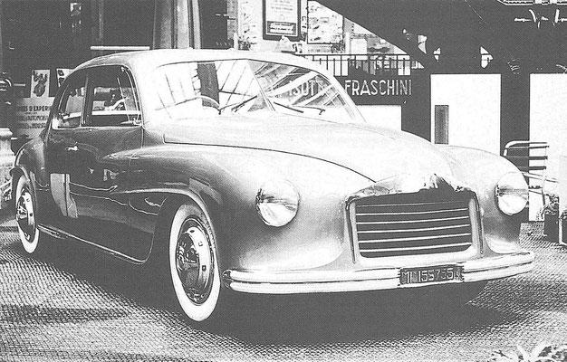 Een Isotta Fraschini 8C Monterosa uit 1947, het koetswerk is ontworpen door Touring.