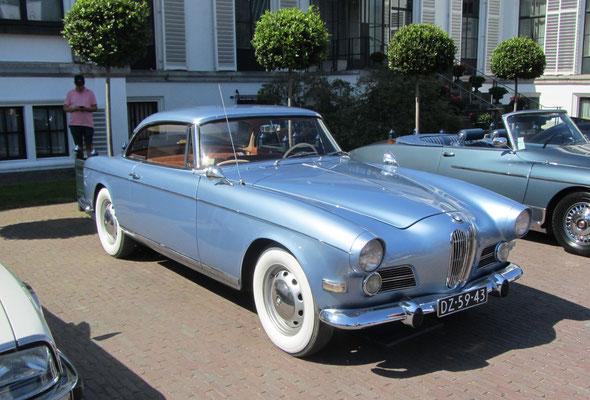 BMW 503 coupe uit 1958 met een carrosserie van Albrecht von Goertz. (Concours d'Elegance Paleis Soestdijk 2019)