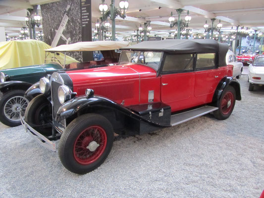 Lancia Torpedo Type Dilambda uit 1929. (Collection Schlumpf)