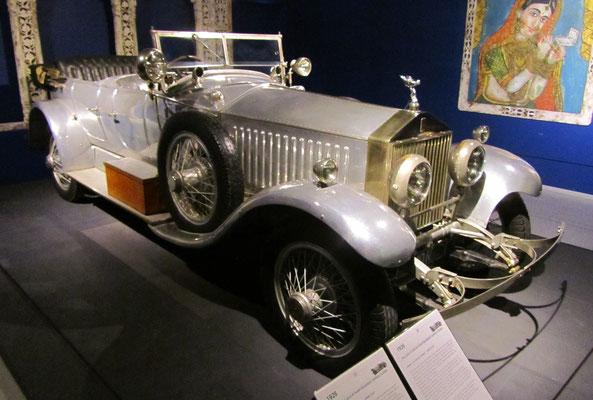 Een Rolls Royce 40-50-HP Phantom 1 Barker Torpedo Tourer uit 1926, te zien in het Louwman Museum in Den Haag.