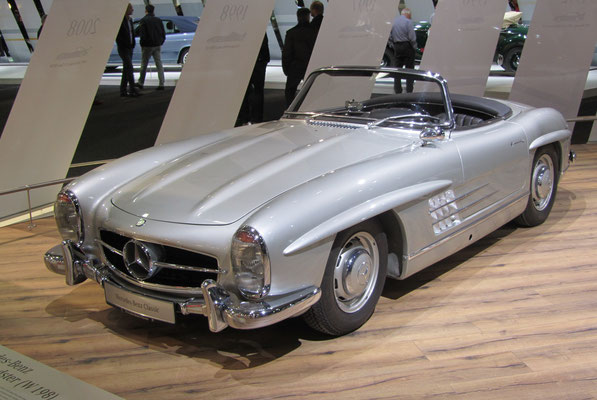 Een Mercedes-Benz 300 SL Roadstar uit 1959 op de Techno Classica 2016 in Essen.