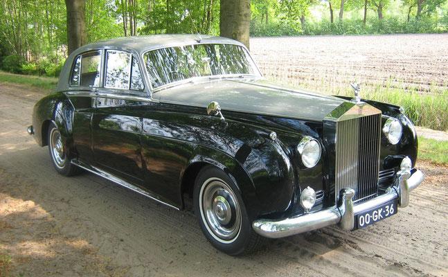 Een Rolls-Royce Silver Cloud I uit 1957.