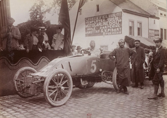 Lucien Hautvast met Pipe op het Circuit des Ardennes in 1904. (collection Jules Beau)