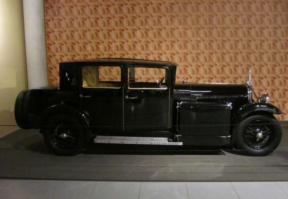 Voisin C23 Myra Saloon uit 1931. (Louwman Museum in Den Haag)