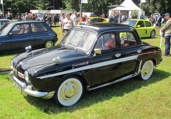 Renault R 1091 Dauphine Gordini uit 1960. (Concours d'Élégance 2016 op Paleis Het Loo in Apeldoorn)