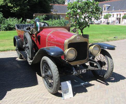Minerva EE uit 1913 (Concours d'Élégance 2018 op Paleis Het Loo in Apeldoorn).