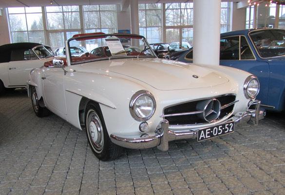Mercedes-Benz 180 SL uit 1960. (Gallery Aaldering)