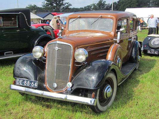 Een Chevrolet Master de Luxe uit 1934 op de oldtimerdag Saasveld 2016.