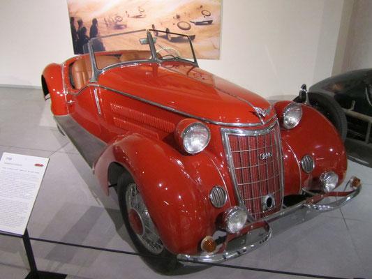Een Wanderer W25K Roadster uit 1936, te zien in het Louwman Museum in Den Haag.