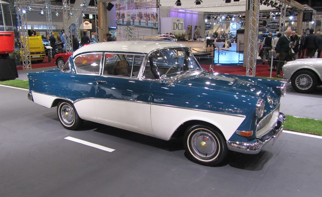 Opel Olympia Rekord P1 uit 1958. (Interclassics Brussels 2018)