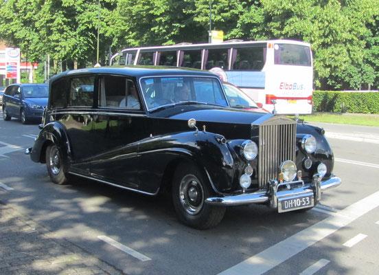 Rolls-Royce Silver Wraith Landaulette uit 1957. (Concours d'Élégance 2016 op Paleis Het Loo in Apeldoorn)