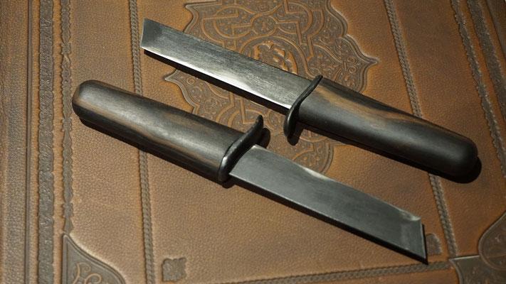 Geschmiedete Messer mit Ebenholzgriff