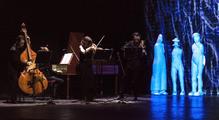 """""""Free Bach 212"""" de La Fura dels Baus"""