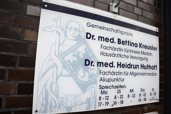 www.hausarztpraxis-kreusler-huthoff.de / Auf einen Blick: Hausarztpraxis Dr. Kreusler und Dr. Huthoff