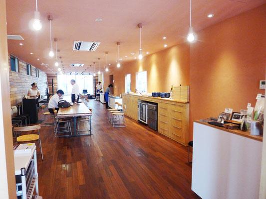 利用者さんとスタッフだけでなく、一般の方も利用可能な「ぷろぼの食堂」