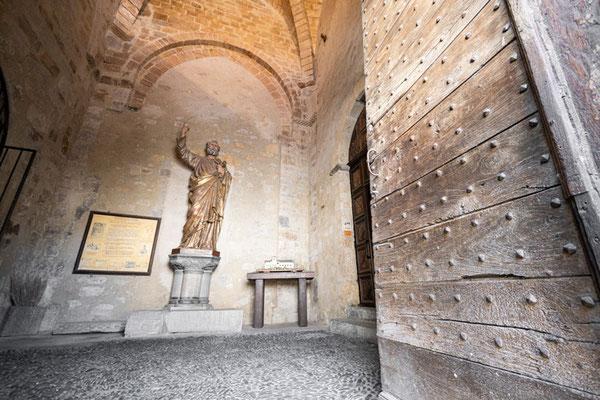 Porche - Statue de Saint-Pierre ©Pierre Champion