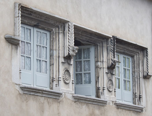 Maison Bayo, classée monument historique, avec ses fenêtres Renaissance