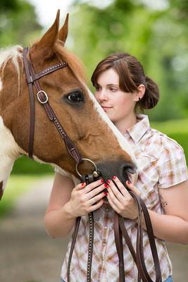 Tierfotografie, Pferdeportrait, Pferd und Mensch, Outdoor