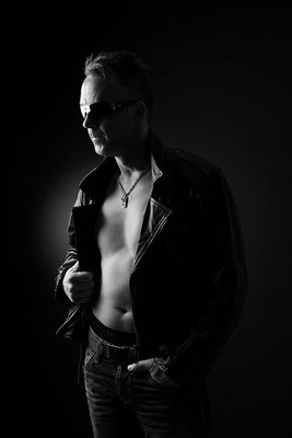 Erotikfotografie, Männer, Lederjacke, Schwarzweiß