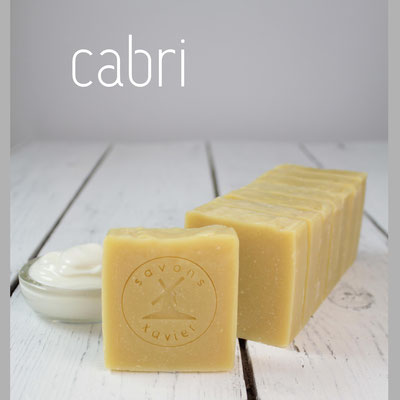 SAVON SAPONIFIÉ À FROID, enrichi au yaourt de chèvre hydratante.