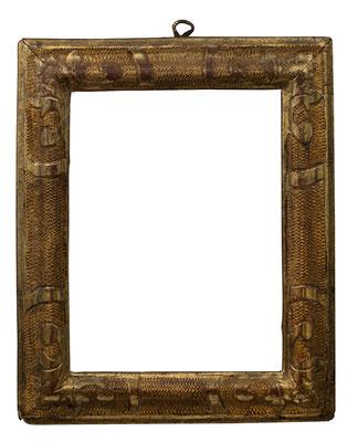 7824  Rahmen, Piemont 18.Jh., Lindenholz geschnitzt graviert und vergoldet, 17,8 x 13,4 x 3,2 cm