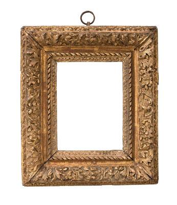 1052  Louis XIII Rahmen, Eiche geschnitzt und vergoldet, 16,5 x 12,2 x 6,8 cm