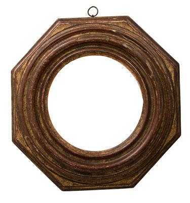 9200  Achteckiger Tondo Rahmen, 17.Jh., Nussholz vergoldet, Dm = 19,5 cm; 36 x 37 x 8 cm