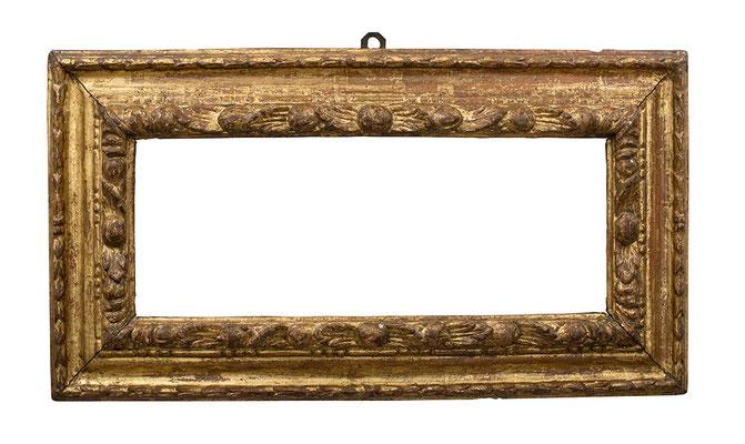 2211  Blattrahmen, Piemont 16./17.Jh., Lindenholz geschnitzt und vergoldet, 19,5 x 52 x 10 cm