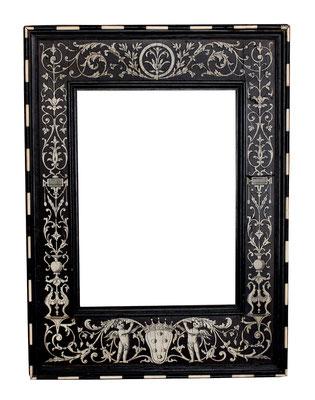 0470  Kabinett Rahmen, Florenz 19.Jh., Ebenholz furniert mit Beinintarsien und Medici Wappen, 22 x16 cm ( 36 x 26,5 cm)