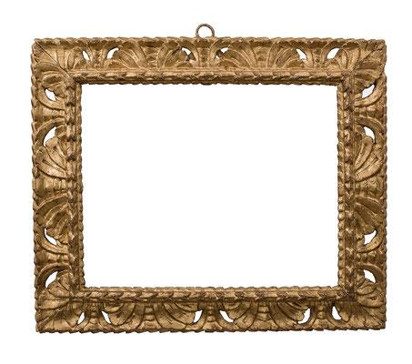 2221  Manieristischer Rahmen, Ligurien 16./17.Jh., Pappelholz geschnitzt und vergoldet, 32,5 x 40,8 x 7,8 cm