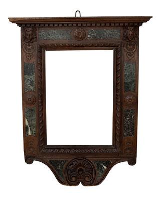 7777  Tabernakel Rahmen, 16.Jh., Nussholz mit grünem Marmor intarsiert, im 19.Jh. verändert, geschnitzte Teile hinzugefügt, 53,5 x 37,2 cm ( 97 x 87 cm )