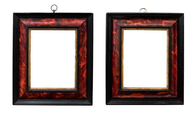 0915/ 7835  Paar Kabinett Rahmen, 17.Jh., Weichholz mit Schildpatt furniert und Ebenholz Leisten zT. vergoldet, 11,7 x 8,8 x 3,5 cm