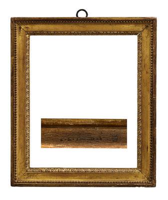 6769  Louis XVI Rahmen sign. E.L.I NFROID, Eiche geschnitzt und vergoldet, 30 x 23,5 x 4,1 cm
