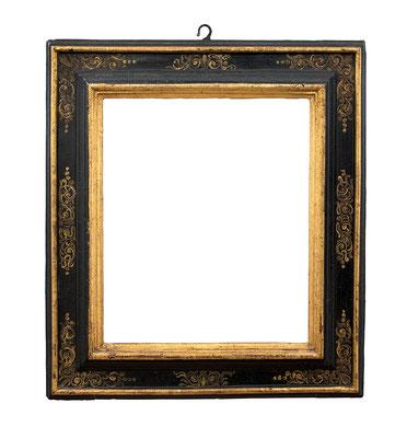 0899  Kassettenrahmen, Toskana 16./17.Jh., Pappelholz schwarz gold gefasst, 39 x 33 x 7,6 cm