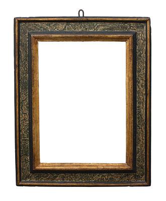 0902  Kassettenrahmen, Toskana oder Marken 16./17. Jh., Pappelholz polychrom gefasst und vergoldet, 48,6 x 34,7 x 10,3 cm