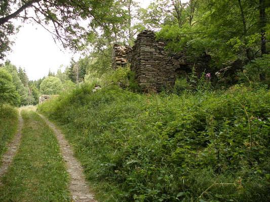 Un hameau en ruine de Serreméjan