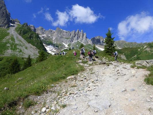 Nous continuons pour grimper vers le Col du Bonhomme