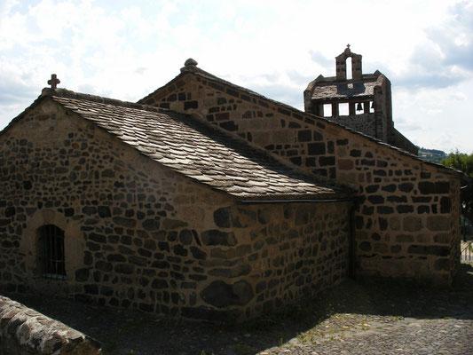 'église Saint Jean-Baptiste, datant du IXe siècle.