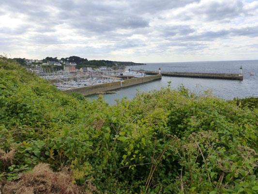 Port Tudy au loin